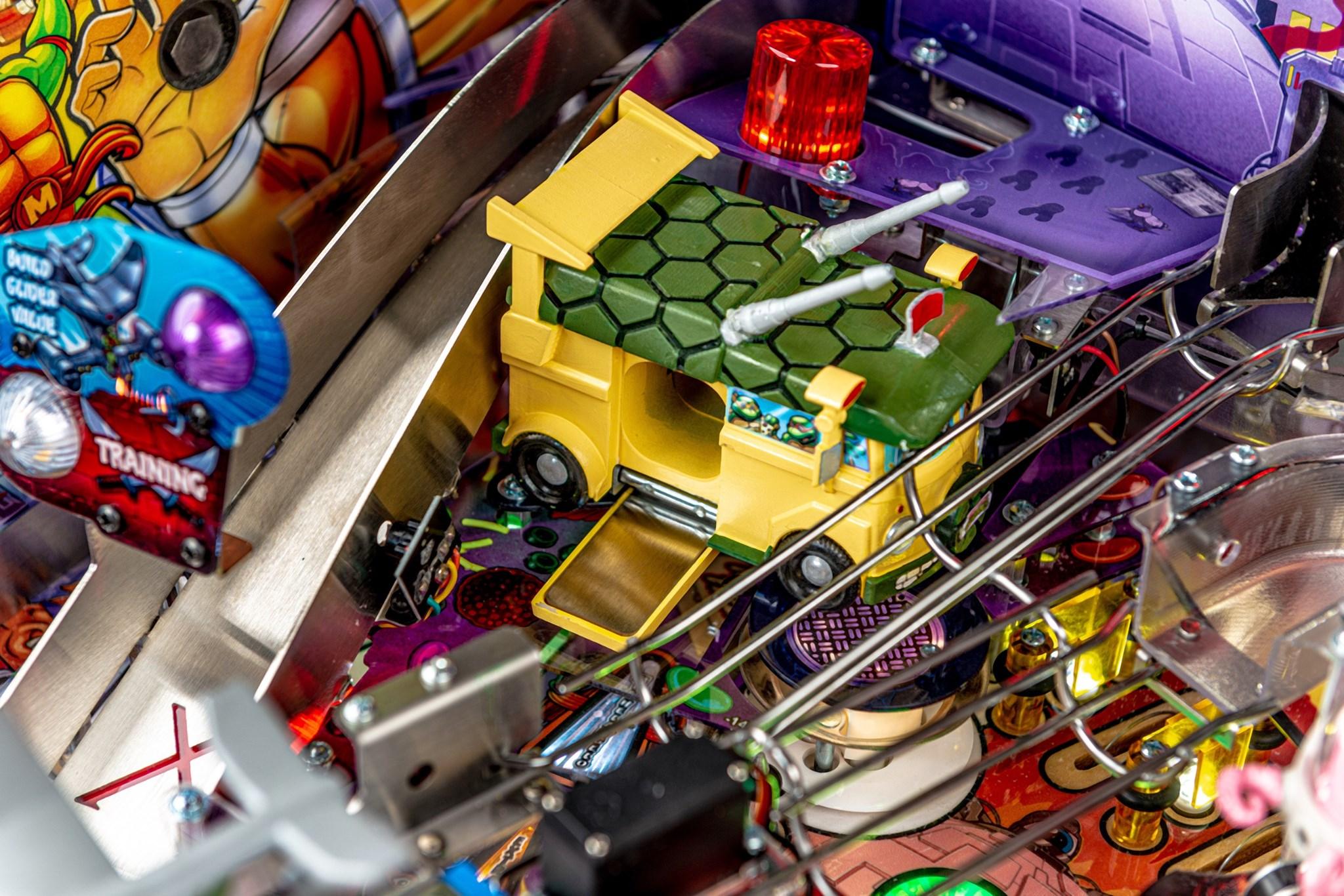 TMNT Pinball Premium Van Open
